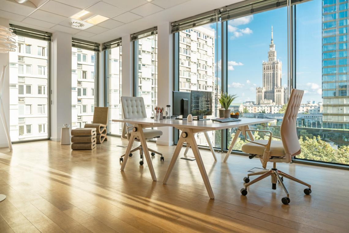 Zmiany w warszawskim biurowcu. Tak może wygląda biuro w Grzybowska Park