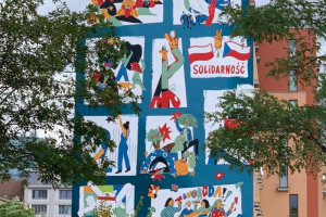 Artystyczny hołd złożony historii. Zobacz niezwykłe murale w Warszawie i Pradze