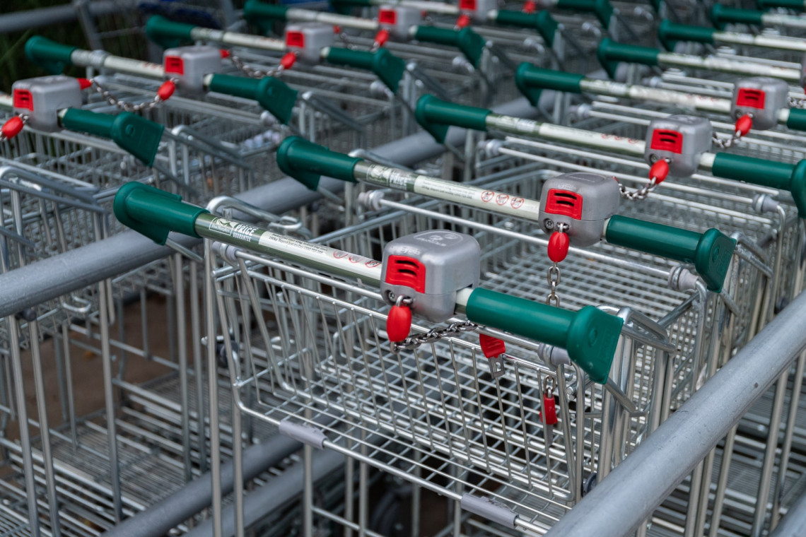 W bydgoskim centrum handlowym stanęła maszyna do odkażania zakupów