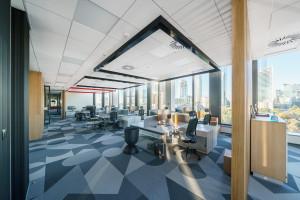 Nowe biuro firmy z rynku nieruchomości: z naciskiem na eko i komfort akustyczny