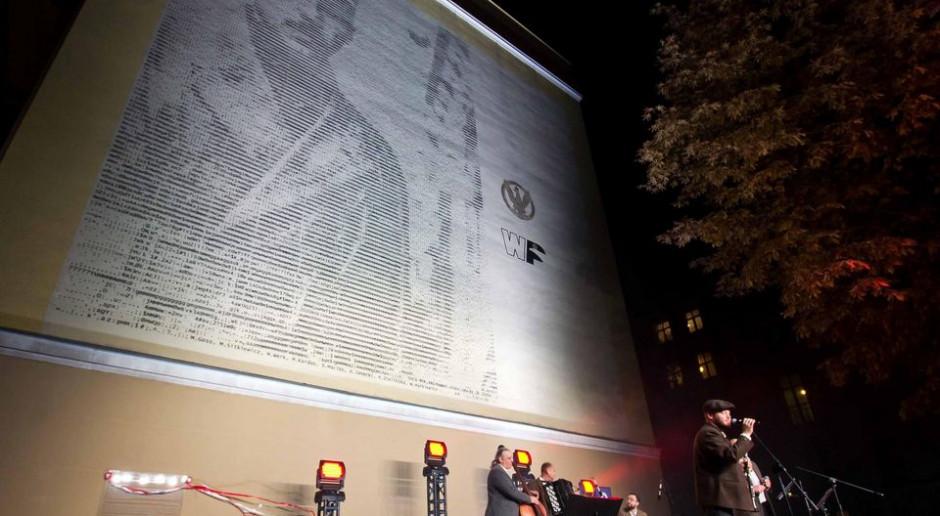 Nowy mural w Łodzi. Jest ogromny i... nietypowy
