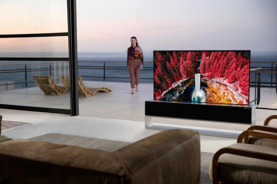 Telewizor ze zwijanym ekranem debiutuje na rynku