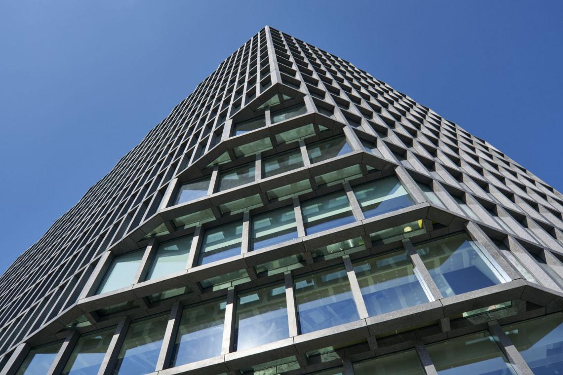 Architektura biurowców w czasach zarazy. Projektanci idą w stronę nowoczesnej technologii i ekologii