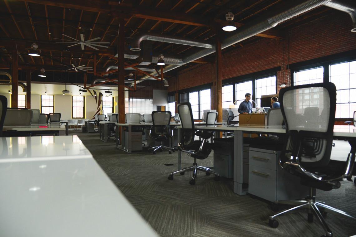 Hybrydowa rewolucja w biurach