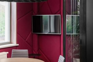 Elegancja z efektem wow. Nowicki Design Collective zaprojektowali biuro dla Tias