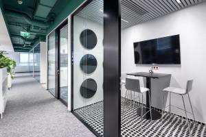 Projektowanie biur odporne na pandemię? Najciekawsze realizacje ostatnich miesięcy