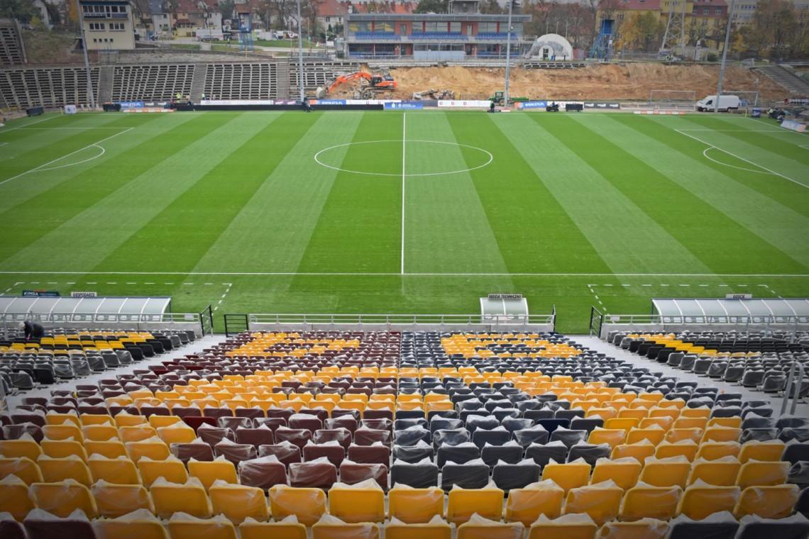 Na budowie stadionu miejskiego w Szczecinie trwają prace