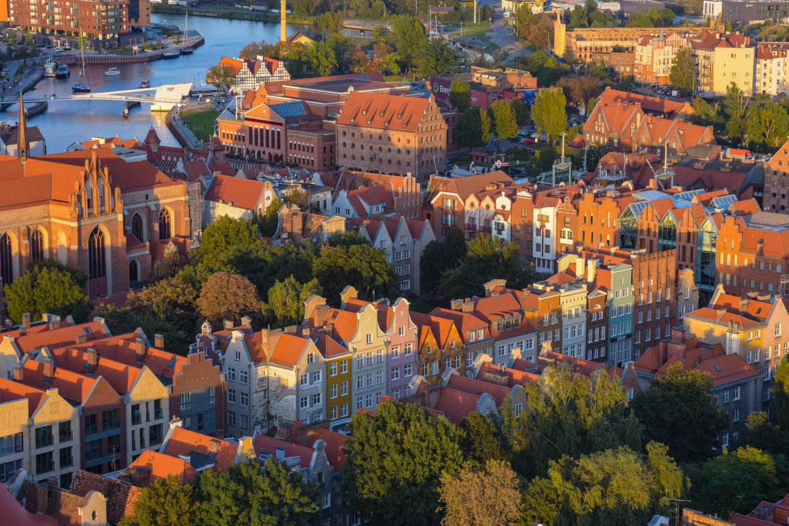 Nowe stojaki na rowery i słupki wygradzające na ulicach Gdańska