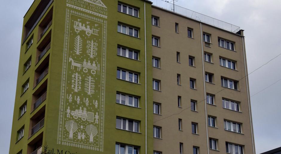 W Białymstoku powstał mural promujący Podlaskie Muzeum Kultury Ludowej