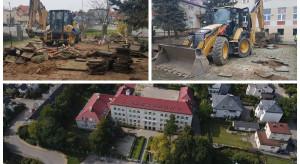 Ruszyła przebudowa placu zabaw na osiedlu Wielki Kack w Gdyni