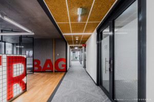 Ponadczasowa przestrzeń z charakterem. Nowe biuro Strabag Real Estate