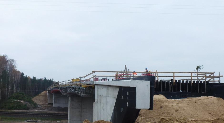 Budowa dwóch nowych wiaduktów w Łódzkiem już na półmetku