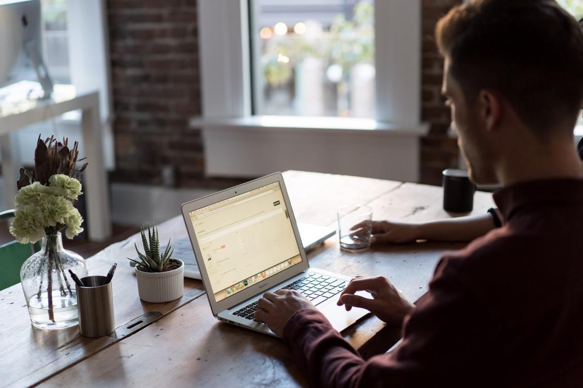 Jak pracuje się nam na home office? Przebadano 144 tys. osób
