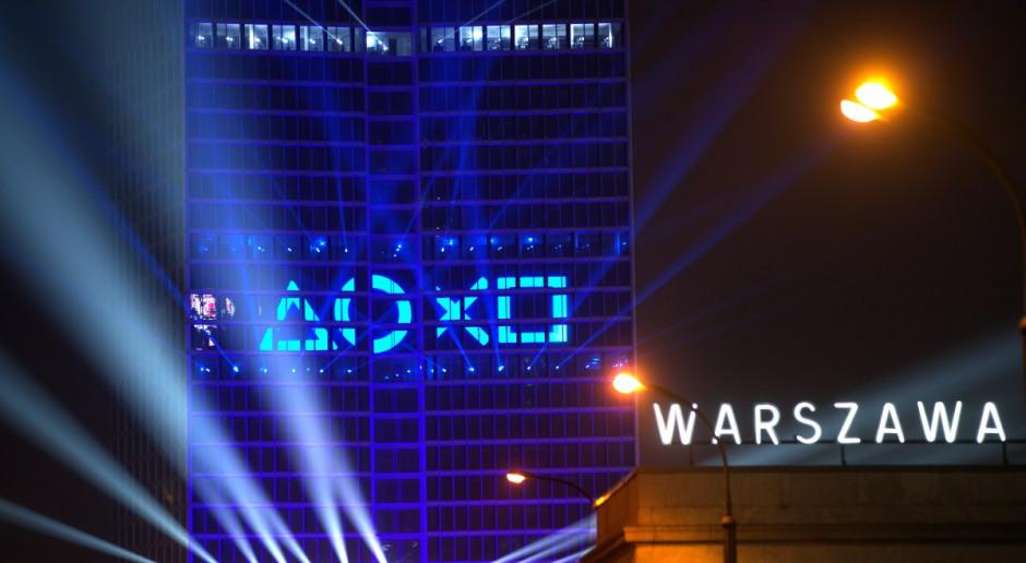 Warszawski biurowiec rozświetlił pokaz multimedialny