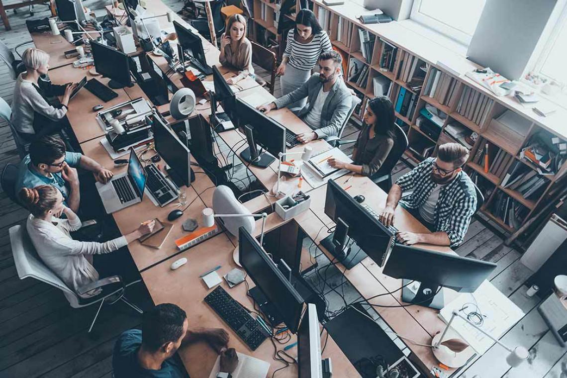 Poziom hałasu w biurach ma wpływ na komfort pracy