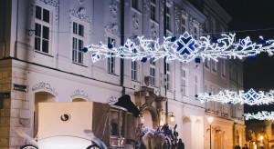 Instalacje audiowizualne na budynkach w Krakowie zamiast zabawy sylwestrowej