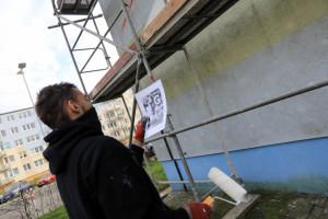 W Toruniu powstaje mural upamiętniający Grzegorza Ciechowskiego