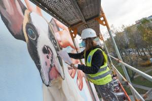 Świąteczne murale pojawiły się w Warszawie i Gdańsku