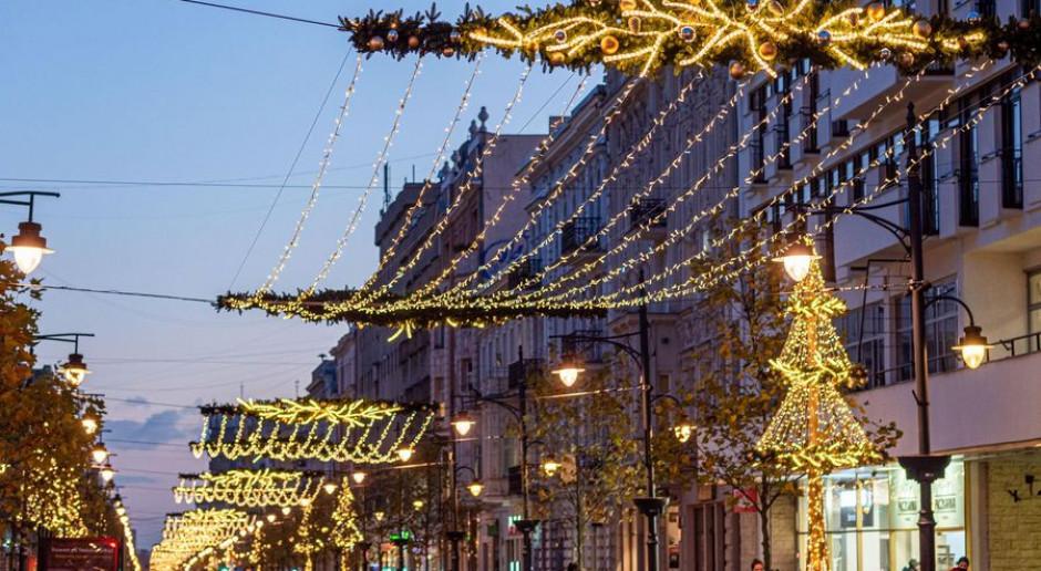 Świąteczne dekoracje na Piotrkowskie w Łodzi. Będzie też jarmark