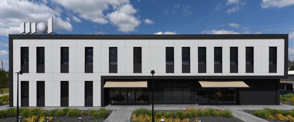 Nowy biurowiec w Suchym Lesie. Architekci zaprojektowali też logo firmy