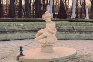 Ogród Branickich w Białymstoku z nowymi rzeźbami w fontannach