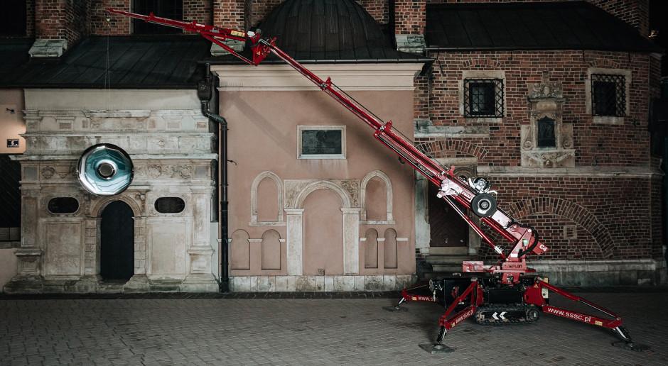 Lustro Oskara Zięty zawisło nad Krakowem