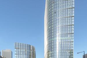 Prace we wnętrzach i otoczeniu Mennica Legacy Tower na ostatniej prostej