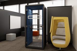 Mobilne kabiny w części biurowej CitySpace w Gdańsku