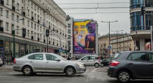 Klimat Night City na ulicach Warszawy. Fanartowy mural ozdobił stolicę