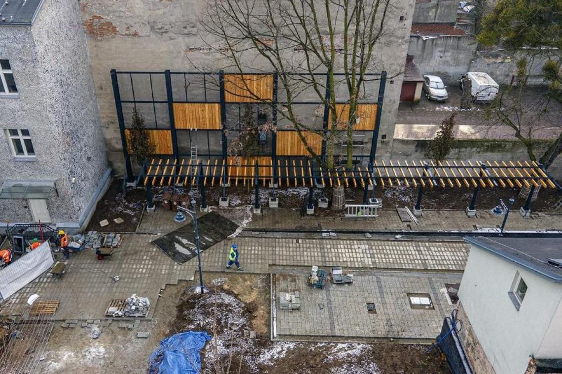W Łodzi powstaje zielona enklawa. Trwa przebudowa Pasażu Róży