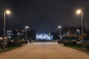 Skwer Kościuszki i bulwar Nadmorski w Gdyni z nowym oświetleniem