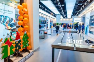 W Warszawie otwarto największy w Europie Środkowo-Wschodniej Mi Store