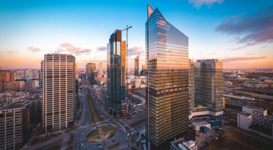 Przyglądamy się imponującym fasadom warszawskiego Skylinera