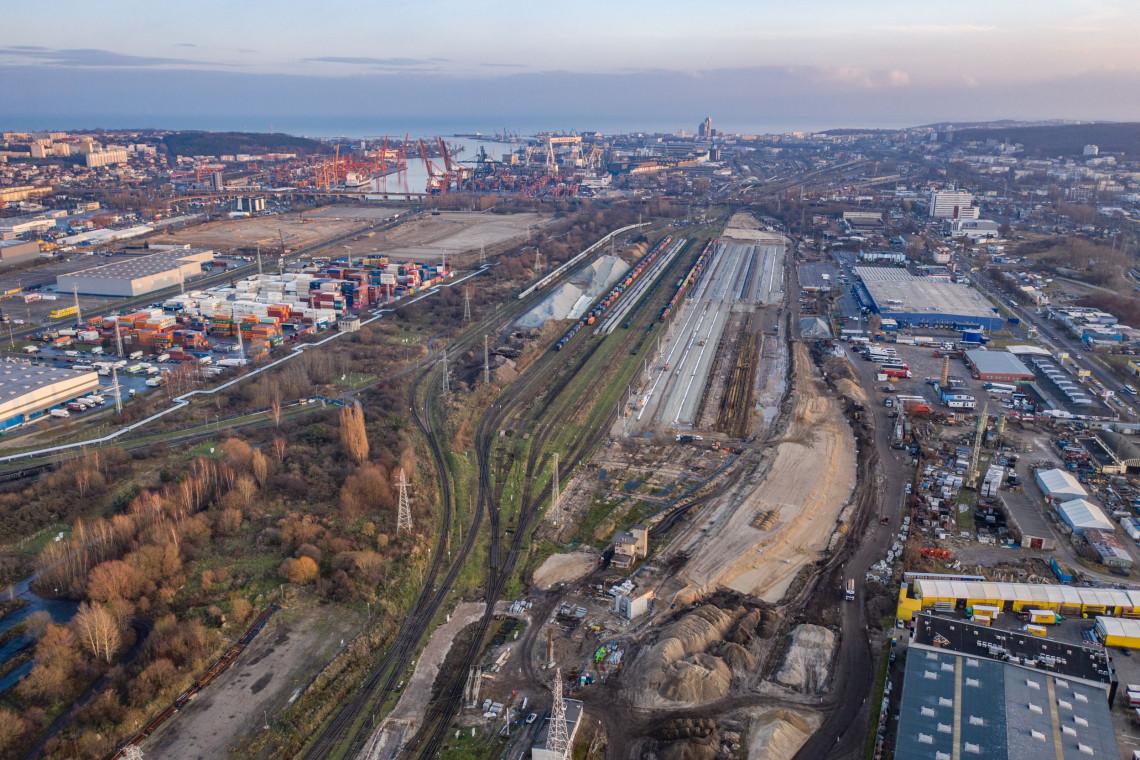 Węzeł kolejowy Gdynia Port zmodernizowany już w 30%