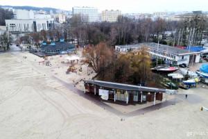 Kładki na Plaży Miejskiej w Gdyni już gotowe