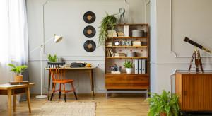 Przestrzeń do pracy w domu. Urządź je w stylu wabi-sabi