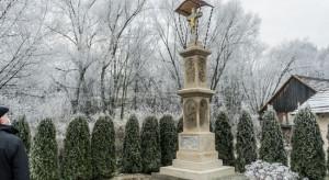 Zabytkowa kapliczka w Przytkowicach odzyskała blask