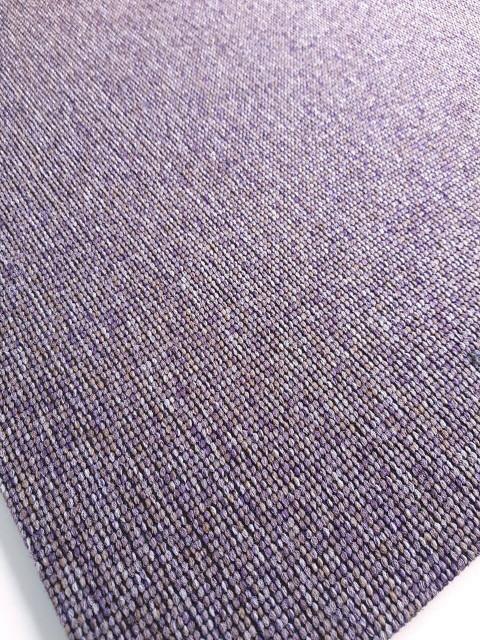 Aranżacja biura: postaw na płytki dywanowe inspirowane ręcznie tkanymi materiałami