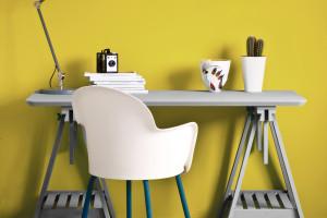 Domowe biuro w kolorach roku według Pantone