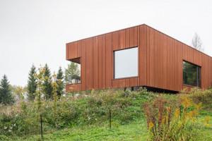 Architekci z Medusa Group zaprojektowali leśniczówkę w Bieszczadach