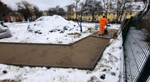 Trwają prace rewitalizacyjne na skwerze w gdańskim Chełmie
