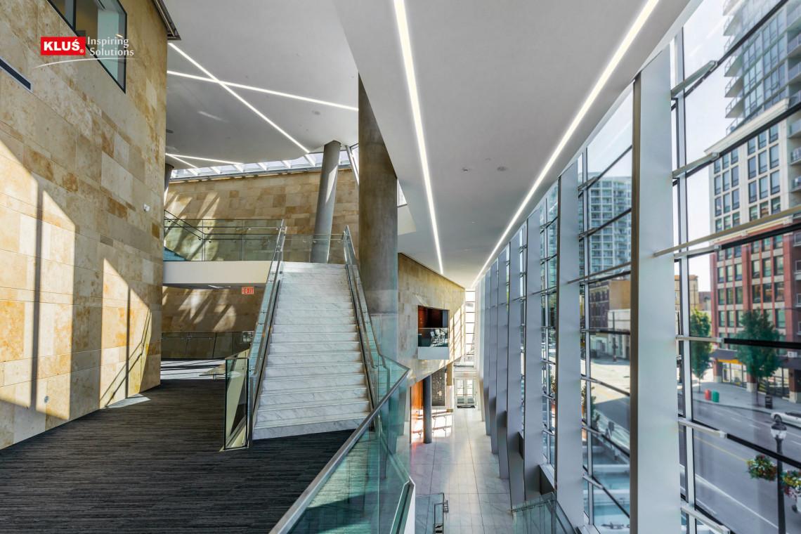 Nowoczesne oprawy LED do biura przyjazne architektom, inwestorom, wykonawcom i montażystom?