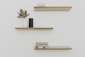 Polski design - półka ścienna kant