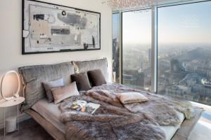 Apartament na dachu Warszawy. Najnowsza realizacja architekt Anny Koszeli