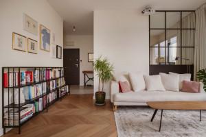 Eklektyczny projekt z klasykami designu: wnętrze spod kreski Dembowska Studio
