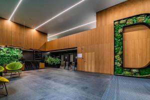 Zielona metamorfoza we wnętrzach biurowca na Mokotowie