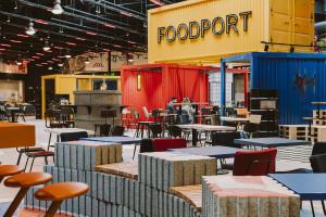 Klimat portowego miasta w odmienionym foodcourcie projektu MIXD