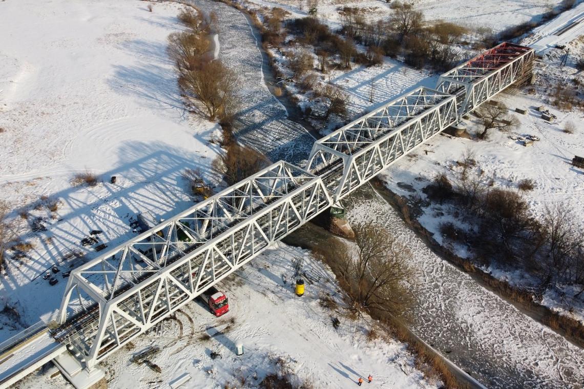 PKP PLK buduje perony, odnawia mosty i przystanki. Wartość inwestycji to 90 mln zł