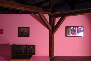 """Wystawa """"Akces i zwrot"""", czyli sztuczna inteligencja w sztuce"""