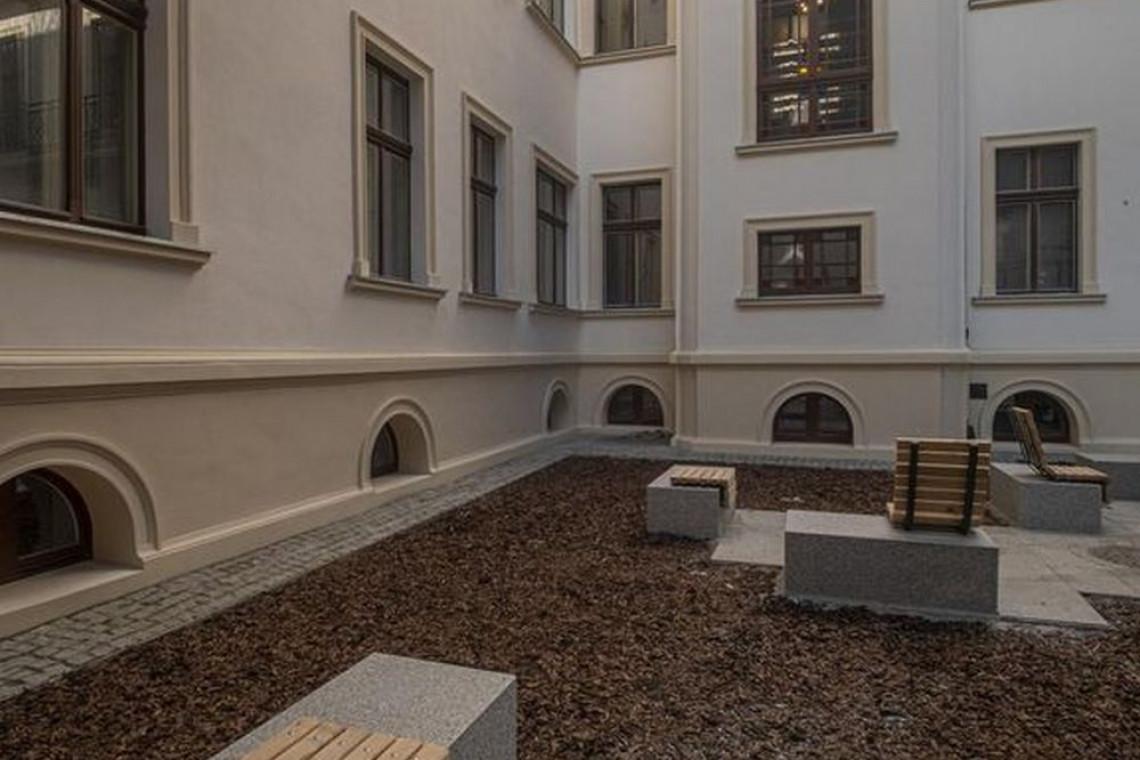 Kolejna zabytkowa kamienica w centrum Łodzi odzyskała dawny blask